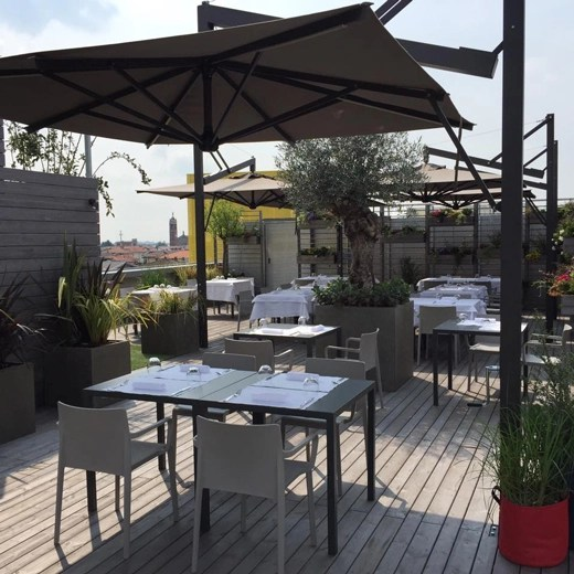Cene e aperitivi panoramici a Treviolo sulla terrazza
