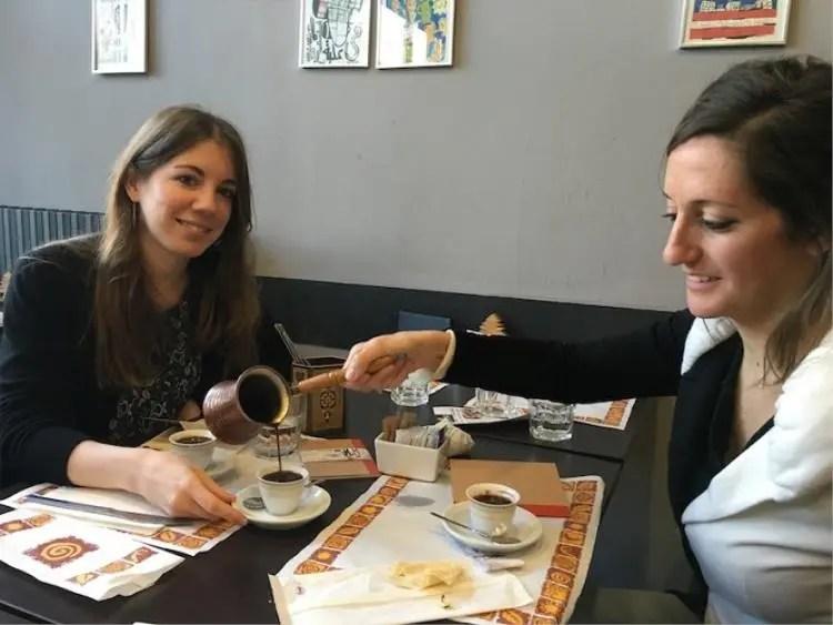 Convivialit al ristorante libanese Dawali Primo appuntamento di Pace a tavola  Italia a Tavola