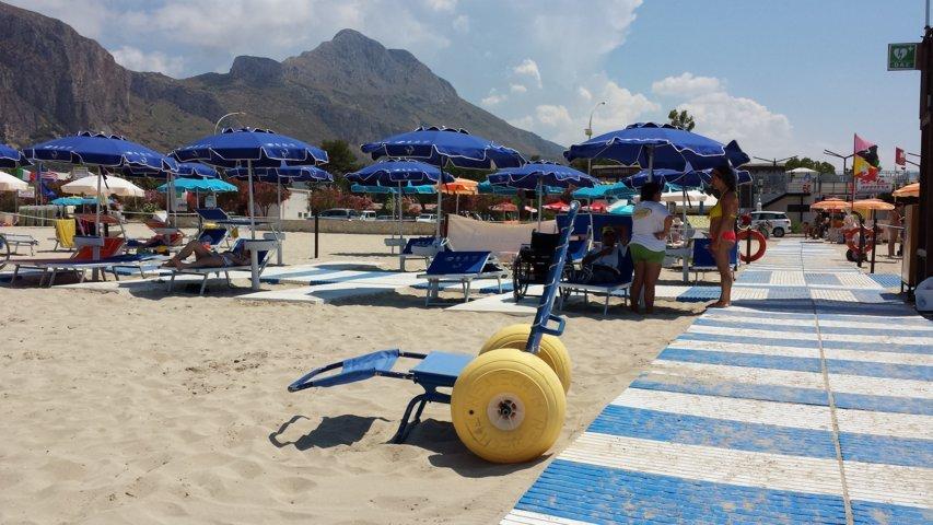 Carrara: firmato un protocollo d'intesa firmato tra consulta handicap e balneari per un turismo accessibile