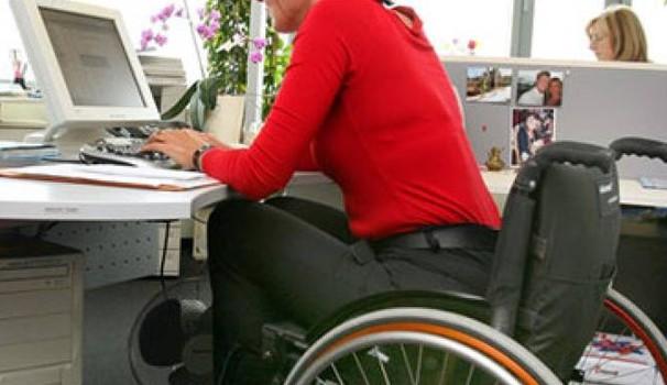 Milleproroghe: slitta di un anno l'obbligo di assumere disabili