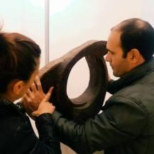 al lavoro su una scultura - Il Museo Storico MUST di Lecce presenta la app per i visitatori non vedenti