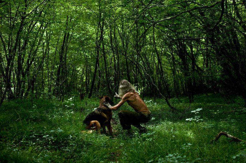 """""""L'eremita, nel suo ritorno alle radici del suo essere, fa esperienza anche di un altro ritorno, quello dell'uomo alla natura"""""""