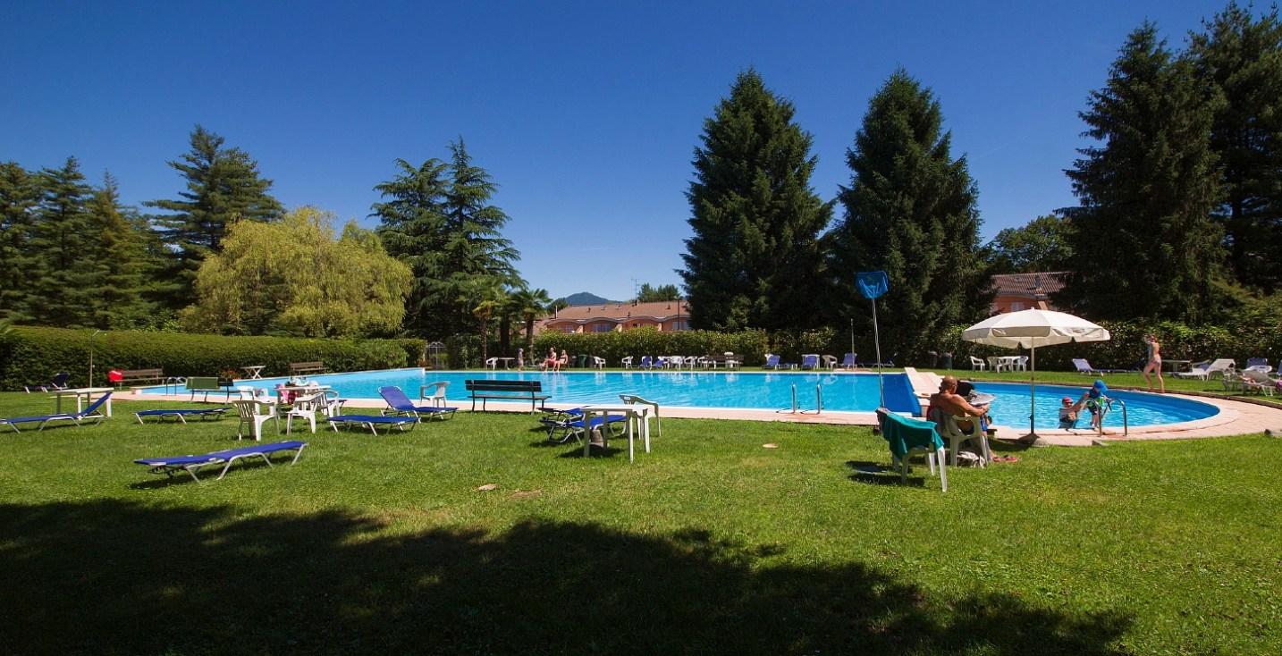 Kindvriendelijk vakantiepark met zwembad en kinderbad een het Lago Maggiore