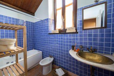 Appartement Lavanda | Badkamer met bad