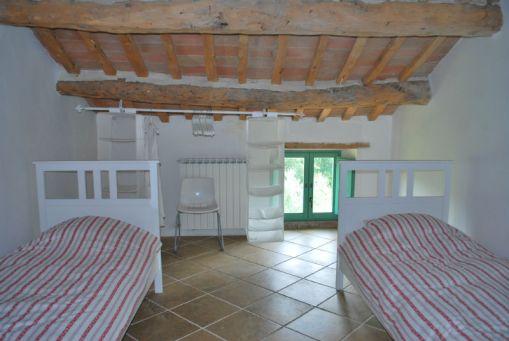 le-maSlaapkamer met twee 1-persoonsbedden