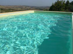 Prive-zwembad en jacuzzi met uitzicht over de heuvels