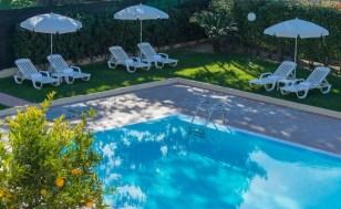 Zwembad (gemeenschappelijk met 15 appartementen)