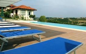 Zwembad met mooi uitzicht