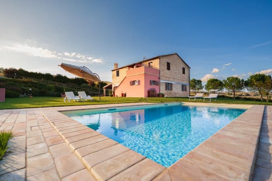 Vakantiehuis met prive-zwembad in het noorden van Le Marche, Italie