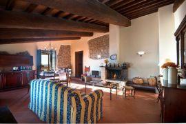 Appartement Belvedere   Sfeervolle woonkamer met open haard