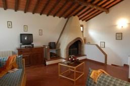 Appartement Botticelli   Woonkamer met open haard