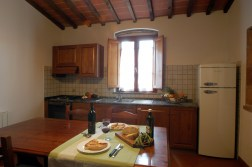 Appartement Botticelli | Eethoek en volledig uitgeruste open keuken