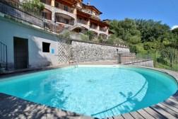 vercana appartement zwembad