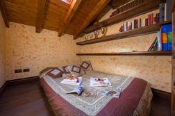 Slaapkamer met slaapbank