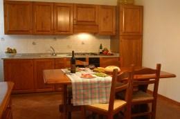 Appartement Raffaello   Eethoek en volledig uitgeruste open keuken