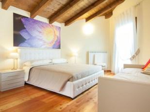 Slaapkamer 2 met 2-persoonsbed + 1-persoonsbed