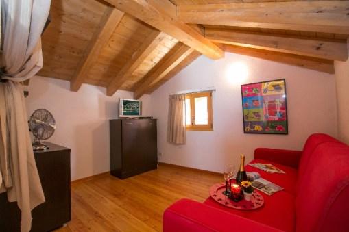 Slaapkamer 2 met slaapbank voor 2 personen