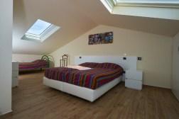 Slaapkamer 3 met 2-persoonsbed + 1-persoonsbed