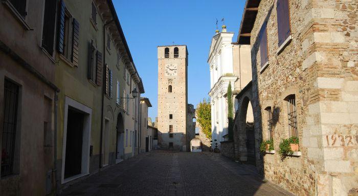 italiainpiega-pieghe-meravigliose-itinerari-moto-pianura-padana-lungo-il-fiume-mincio-castellaro lagusello