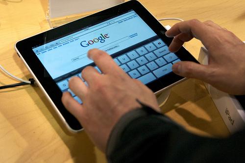 iPad Safari 0001 AT&T: Il successo di iPad mette paura alloperatore che ha deciso di eliminare lofferta del traffico illimitato