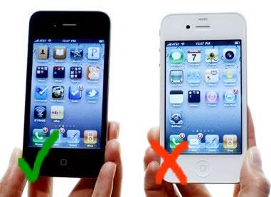 iPhone4 impugnatura 001 iPhone 4: Laggiornamento non risolverà il fastidioso problema della ricezione
