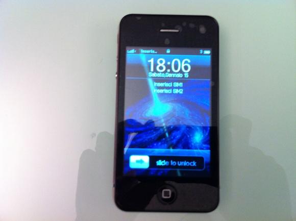 on Prova di una copia delliPhone 4 made in China