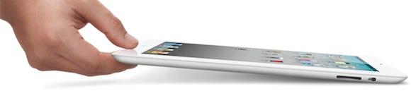 ipad2 white hand iPad 2: CNET UK esegue i primi test sul nuovo iPad 2