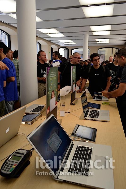 MacBook Pro 13 Il reportage di Italiamac dallApple Store di Bologna
