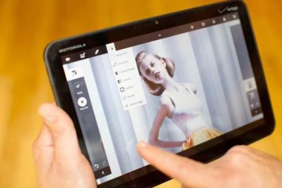 adobe photoshop touch image 001 580x386 Adobe presto lancerà sei nuove applicazioni dedicate ai tablet