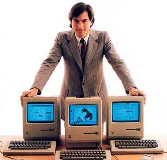 steve jobs 580x557 NellEra post PC, Apple domina.