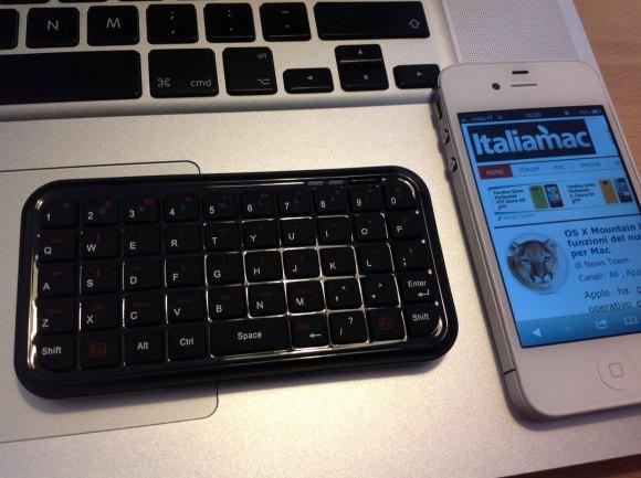 minibluetoothkeyboard up 580x433 Mini Bluetooth Keyboard per iPhone e iPad