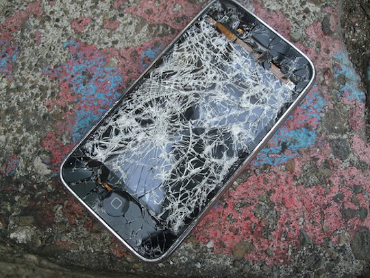 iPhone incidentato Ecco i posti più pericolosi per il nostro iPhone