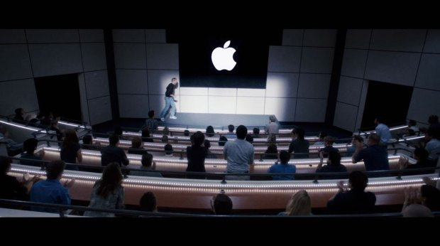 jobs film italiamac 002 620x346 Galleria fotografica con i frame del film Jobs in uscita il 16 agosto 2013 in America