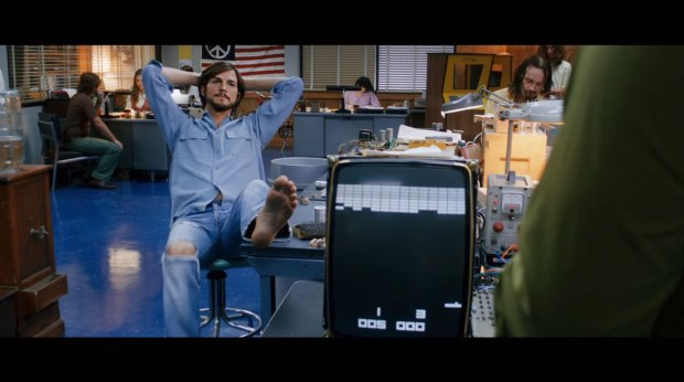 jobs film italiamac 007 620x346 Galleria fotografica con i frame del film Jobs in uscita il 16 agosto 2013 in America