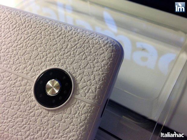 puro battery bank cover 010 620x465 Provato per voi: iPhone 5 Battery Bank Cover, la batteria di riserva a forma di cover di Puro
