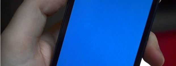Schermata blu su iPhone 5s 620x233 Dopo Windows, lo schermo blu incombe sulliPhone 5s