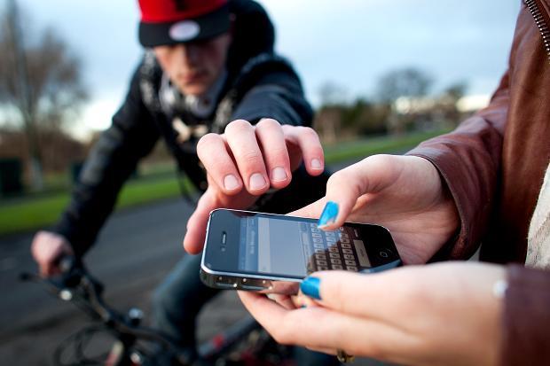 iPhone rubato Ruba liPhone e spedisce la rubrica manoscritta al malcapitato