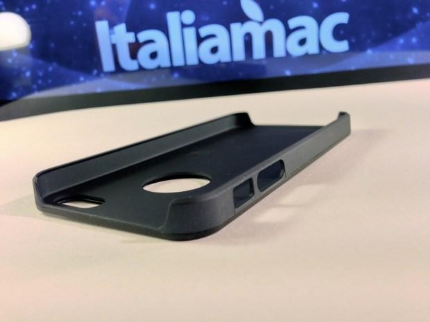 Aiino Italiamac Cover iPhone 005 620x465 Abbiamo provato le cover Aiino Steel (con parti in alluminio) e Rubber (materiale plastico)