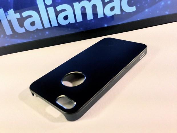 Aiino Italiamac Cover iPhone 007 620x465 Abbiamo provato le cover Aiino Steel (con parti in alluminio) e Rubber (materiale plastico)