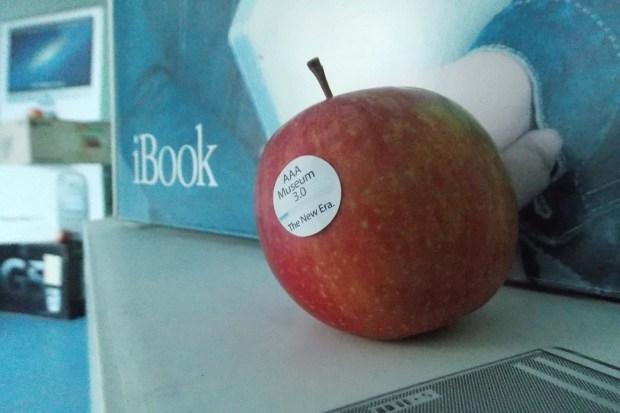 AAA 1619 620x413 All About Apple: presentata la nuova sede a Savona del museo Apple più fornito del mondo