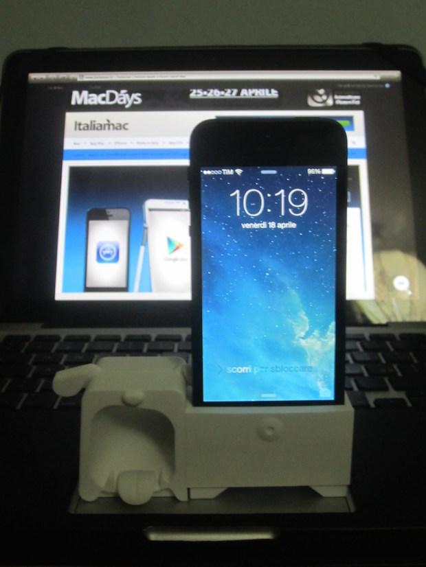 iPhone + O!Music in verticale