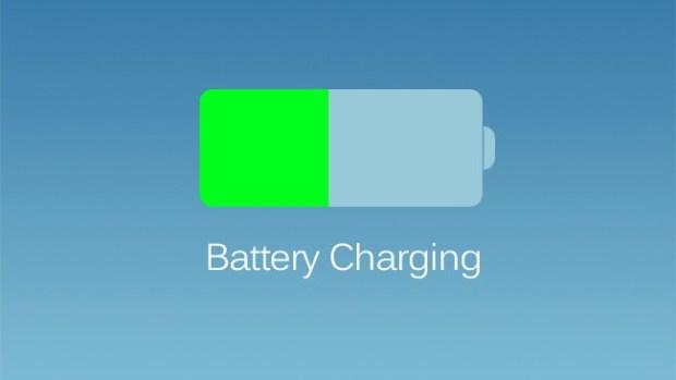 ios7batteria 620x349 [Rumors] Nuove immagini che ritraggono un nuovo design della batteria del nuovo iPhone marchiato Apple