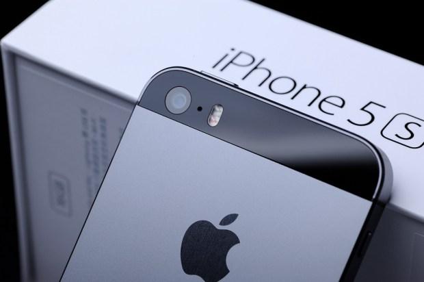 iphone 5s 620x412 LiPhone conserva il proprio valore nel tempo rispetto ad altri smartphone