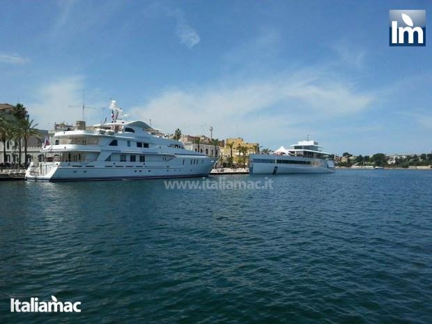yatch venus steve jobs brindisi 15 620x465 Le foto esclusive di Italiamac dello Yatch Venus di Steve Jobs (ora di Laurene) ormeggiato nel porto di Brindisi nellAdriatico
