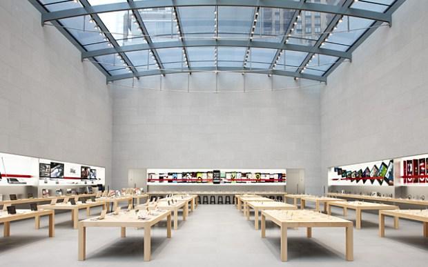 applestore1 620x387 Una nuova strategia per rafforzare la fedeltà per i prodotti Apple