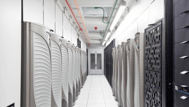 servericloud 620x351 Apple inizierà a memorizzare i dati personali dei propri utenti in un server situato in Cina