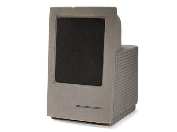 mac converted 620x465 Le memorabili aste dei prodotti Vintage marchiati Apple che ognuno di noi vorrebbe avere