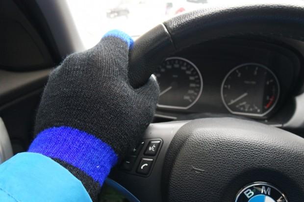 hi gloveGuanti 620x413 Con i guanti hi Glove per dispositivi touch screen, non dovrai più temere il freddo durante l'inverno!