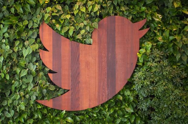 twitter wood 620x411 2014: un anno vissuto su Twitter, fra tweet, hashtag e argomenti popolari
