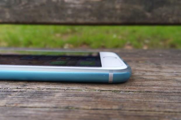 cable10 620x413 Cable Technologies: Titanium, una Cover per iPhone 6 dal Design inalterato